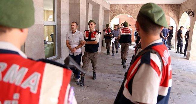 Kaç kişi FETÖ'den tutuklu? Kaç kişi aranıyor?
