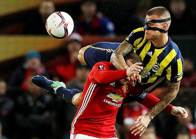 İngiliz basını Manchester'ın Fenerbahçe galibiyetini böyle gördü