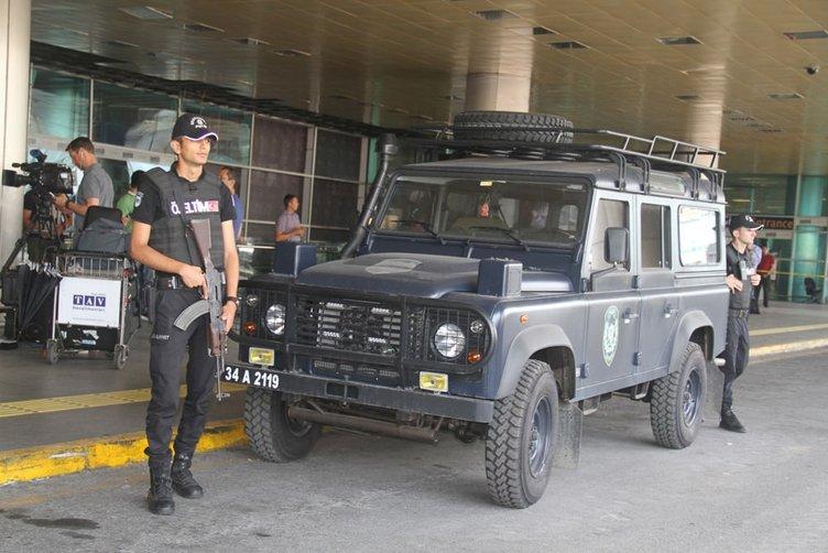 Özel Tim Atatürk Havalimanı'nda göreve başladı