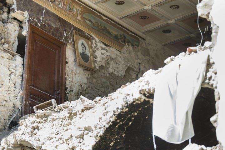 İtalya'daki depremde ölü sayısı 267'ye yükseldi