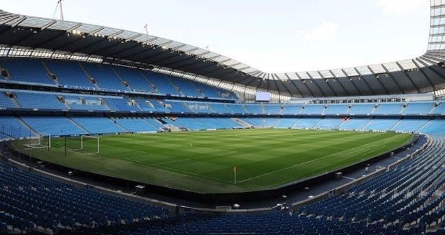 Manchester City-Barcelona maçı öncesi stat boşaltıldı!