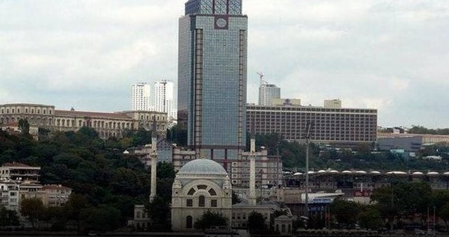 İstanbul'da ünlü plazada çatışma