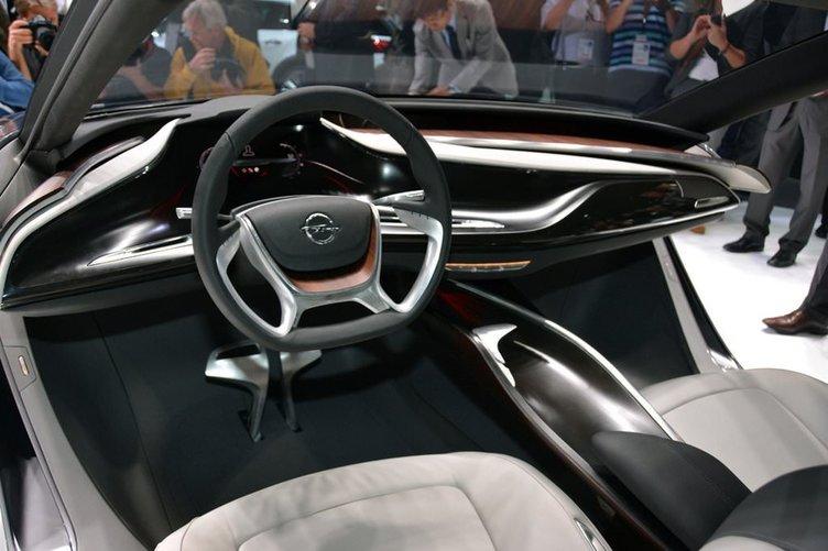 Opel Monza Konsept İlk kez İstanbul'da!