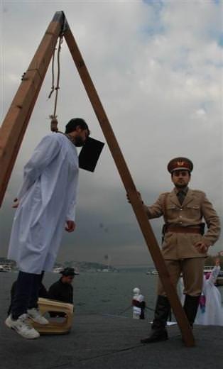 Üsküdar'da Mısır'daki idam cezası kararları protesto edildi
