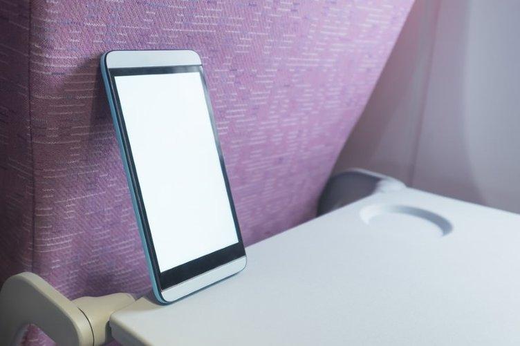 Uçakta cep telefonu neden kapatılmalı?