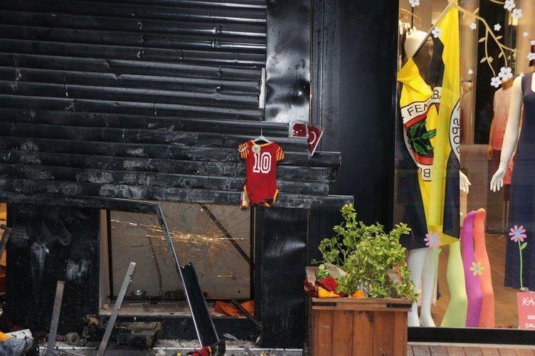 F.Bahçelilerin yağmaladığı GS Store'un son hali