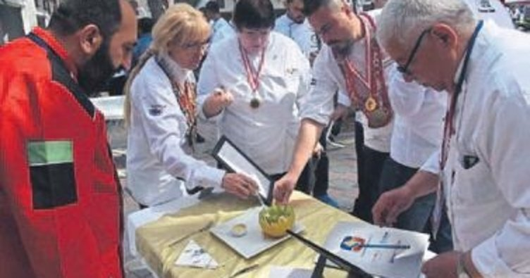 Kemalpaşa'da yemek festivali