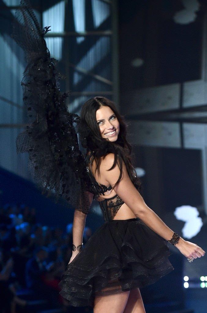 Anadolu Ajansı Adriana Lima'ya Acun'u sordu