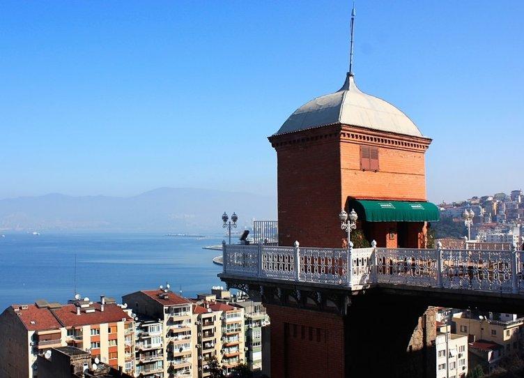 İzmir'de yıllar sonra aynı yerde