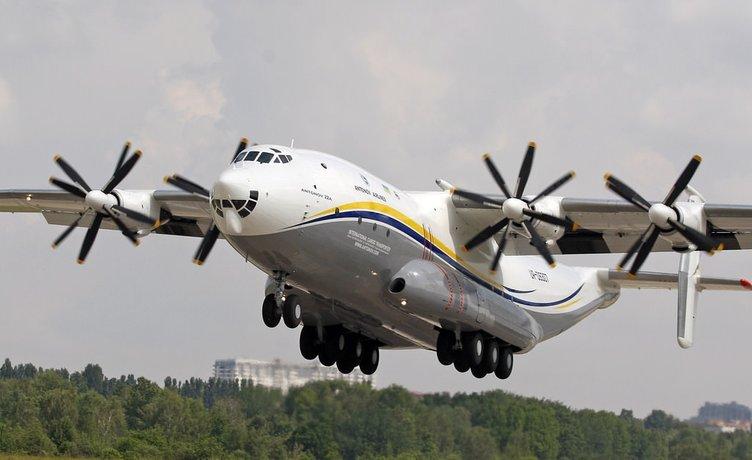 Dünyanın en geniş gövdeli uçağı sahnede