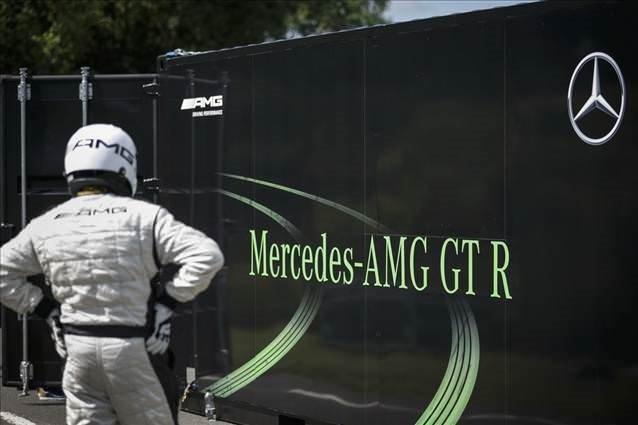 Yeni Mercedes-AMG GT R Türkiye'de  .