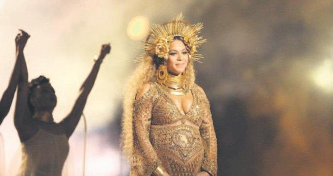 Beyonce bebeği