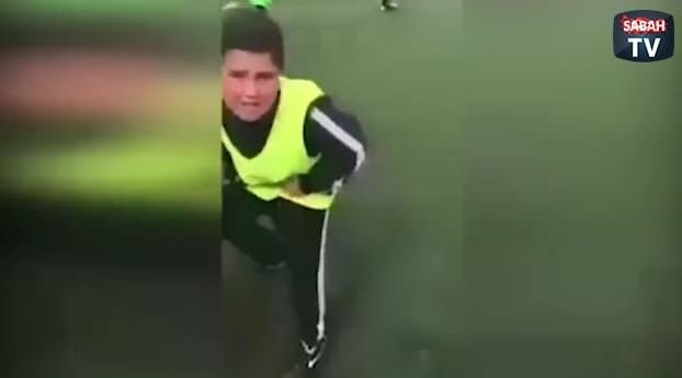 Ne penaltısı diye yırtınan çocuk