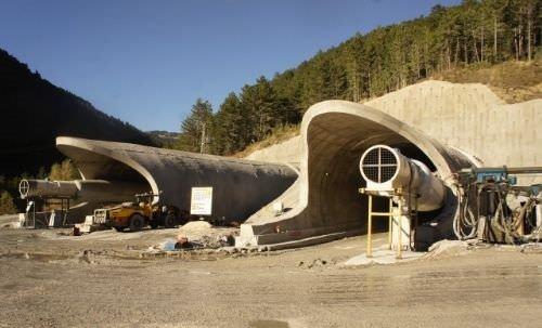 Ilgaz Tüneli'nin yüzde 45'i tamamlandı