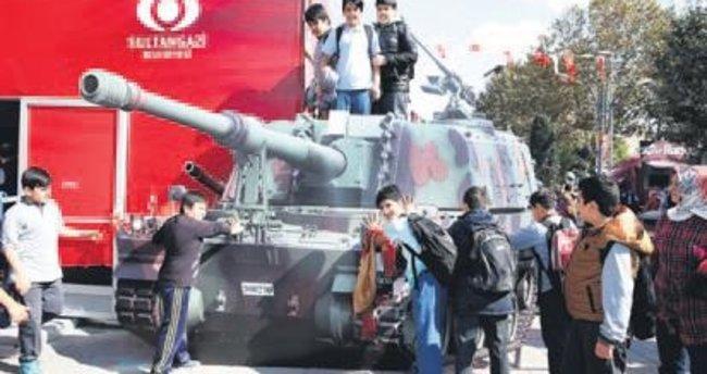 Tank üzerinde protesto