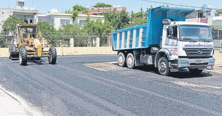 Okul bahçeleri asfaltlanıyor
