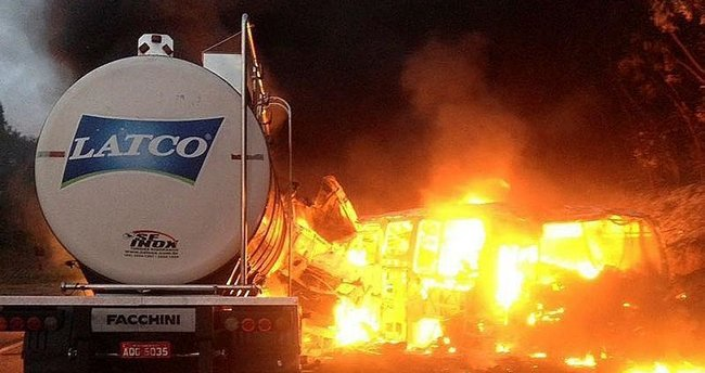 Brezilya'da otobüs kazası: 20 ölü