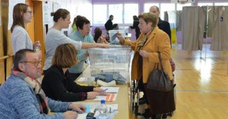 Fransa'da milletvekili genel seçiminin ikinci turu başladı