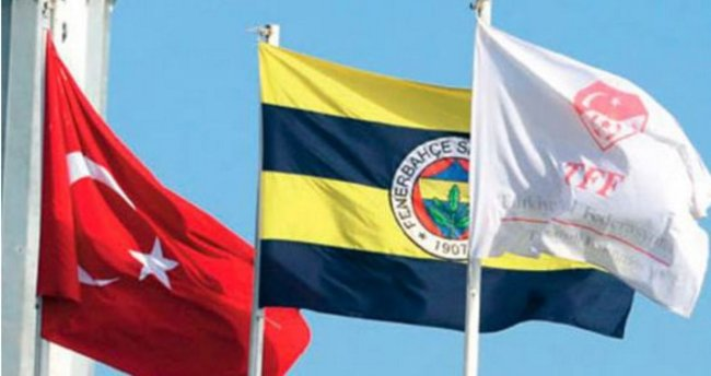 Fenerbahçe - Galatasaray derbisinde bayrak krizi!