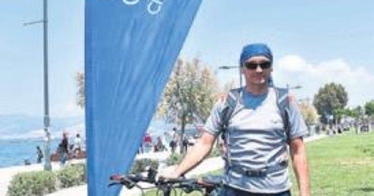 İzmirli bisikletçiler Avrupa'ya kafa tutuyor