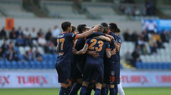 Başakşehir'de final maçı öncesi 3 eksik