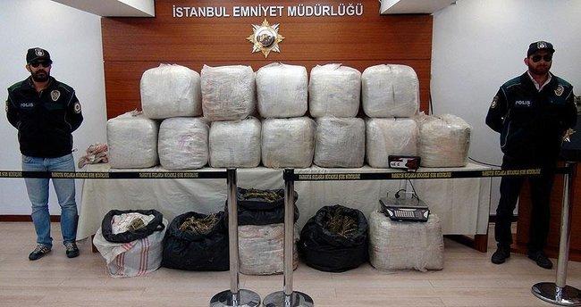 İstanbul'da 335 kilogram esrar ele geçirildi