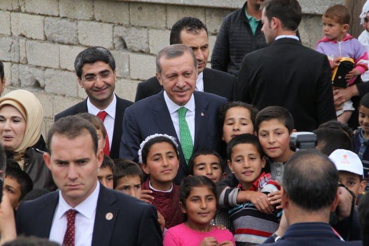 Erdoğan o pankartı görünce...