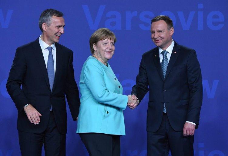 Varşova'da tarihi NATO zirvesi