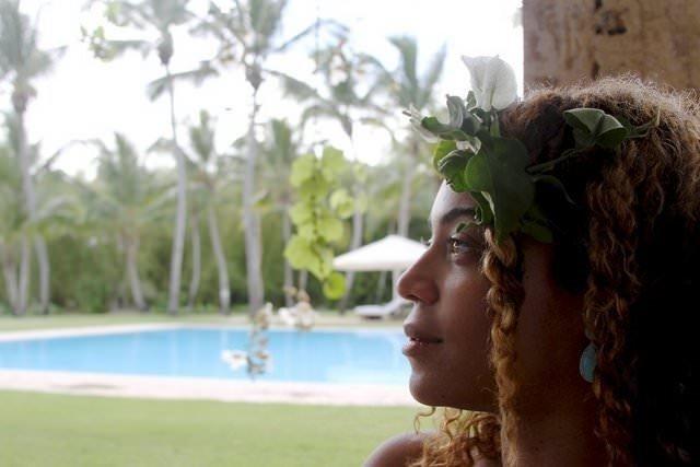Beyonce'un tatil fotoğrafları internette