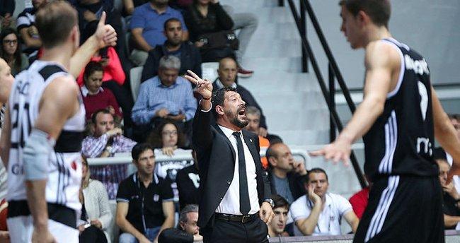 Beşiktaş Sompo Japan, Yunanistan deplasmanında