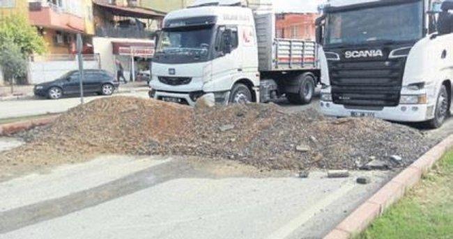 Melih Abi : Koca yol TIR'ların park yeri olmuş