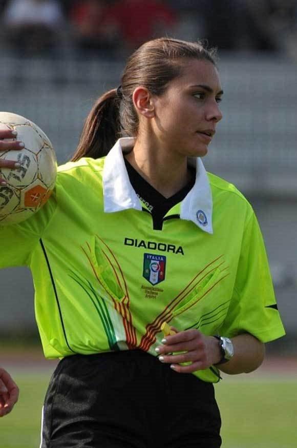 İtalya bu hakemi konuşuyor: Elena Tambini