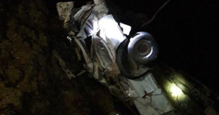 Otomobil Botan Çayı'na yuvarlandı; 3 ölü, 1 kayıp!