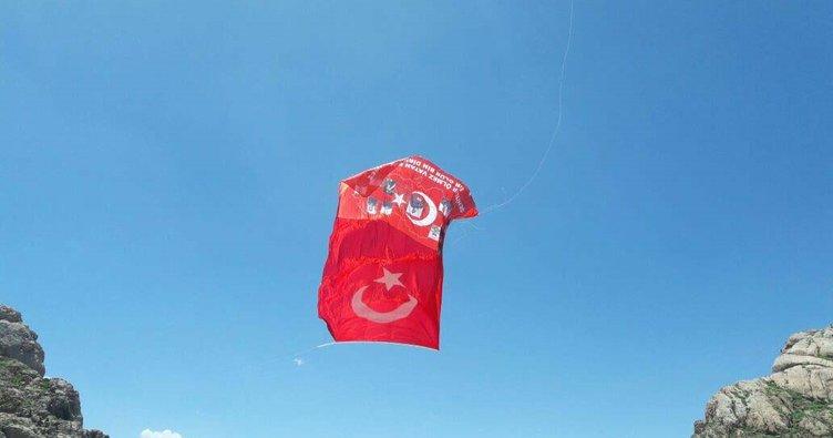 Kato Dağı zirvesine bayrak asan kişi bakın kim çıktı