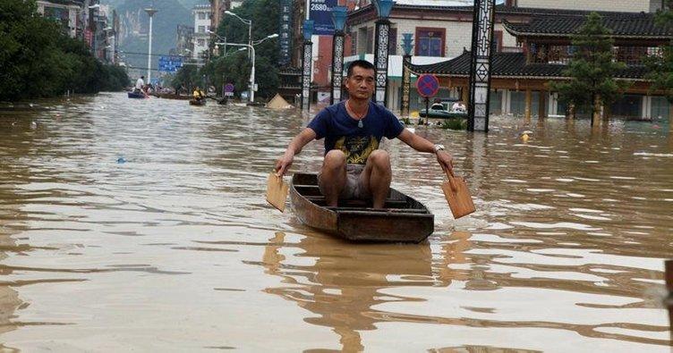 Çin'de sel: 8 ölü, 9 kayıp