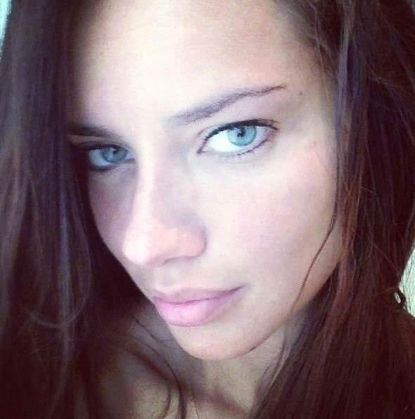 Adriana Lima'nın takip ettiği Türk kim?