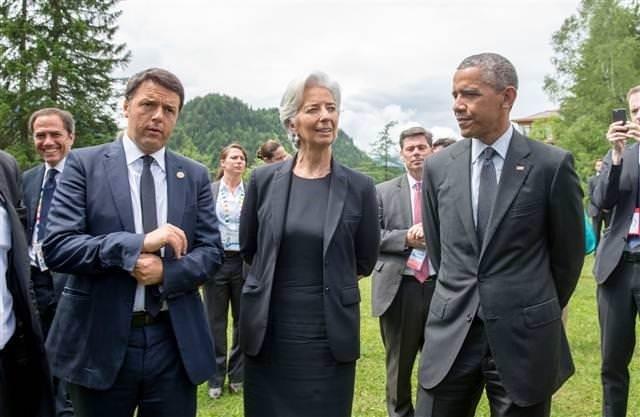 G7 zirvesinde liderler bir arada