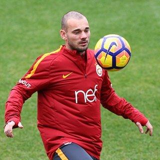Galatasaray'dan Sneijder'e ikinci ceza