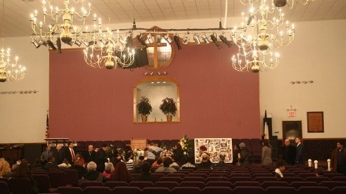 Sarai Sierra için evlendiği kilisede tören