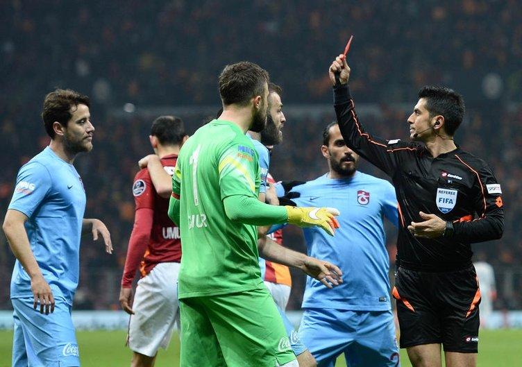 Galatasaray-Trabzonspor maçında büyük gerilim
