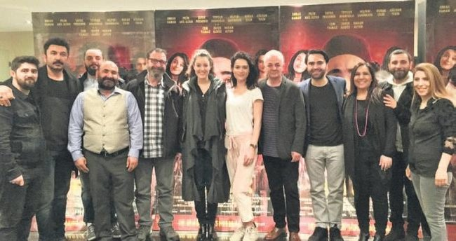 Adanalılar 'Deli Aşk'ı ayakta alkışladı