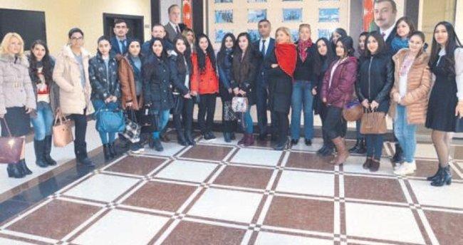 Azeri tarihi eserler vandalizm kurbanı