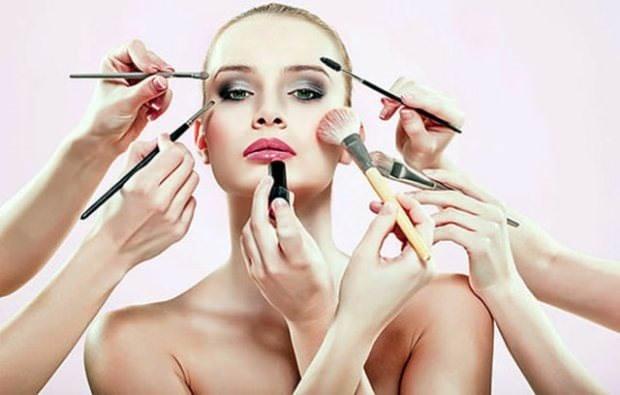 Çalışan kadınlar için makyaj tüyoları