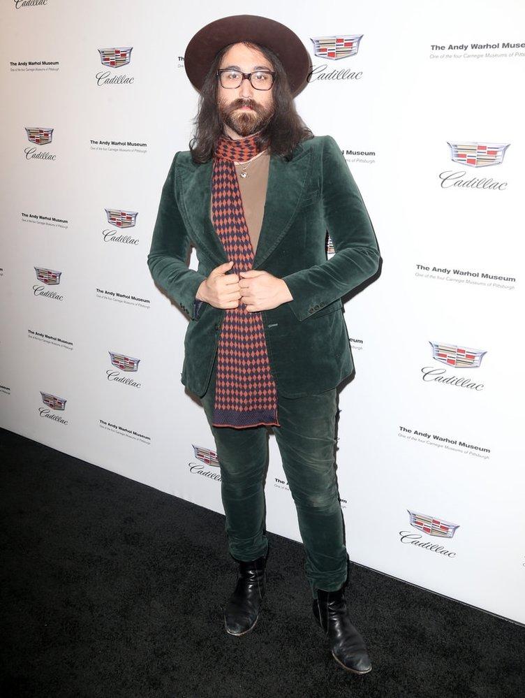Babasının oğlu Sean Lennon!