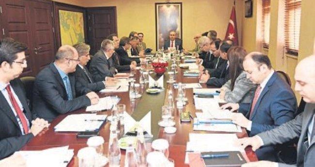 Adana ve ilçeleri masaya yatırıldı