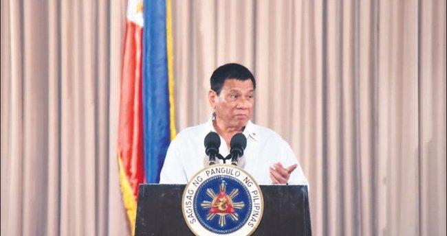 Duterte'den ABD'ye: Hadi beni devirin