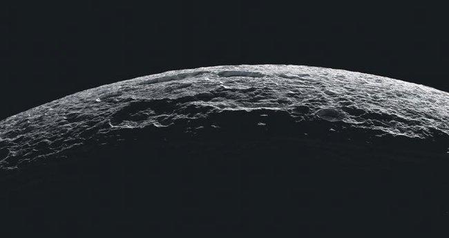 Satürn'ün uydusunda yeraltı okyanusu