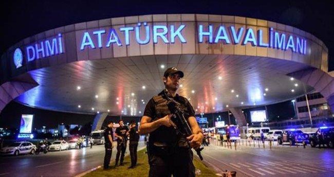 Atatürk Havalimanı'nda hayatlarını kaybedenler için anıt