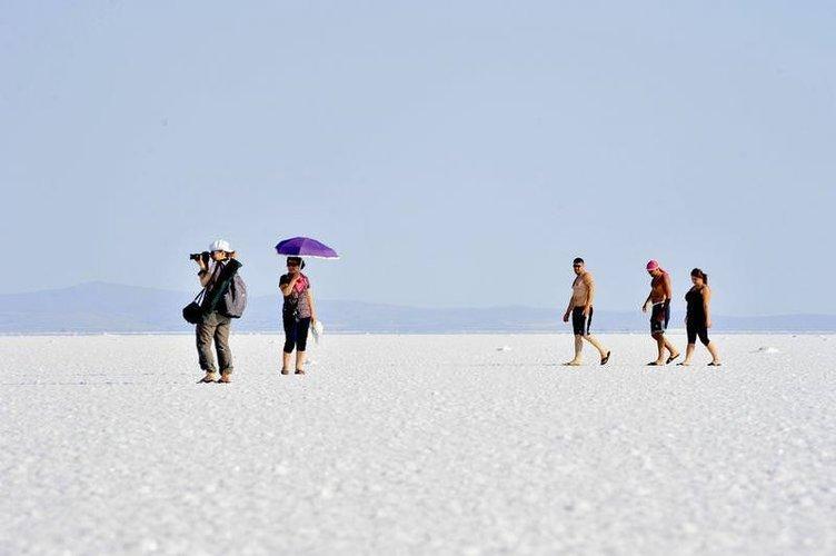 Tuz Gölü'nde yürüyüş keyfi