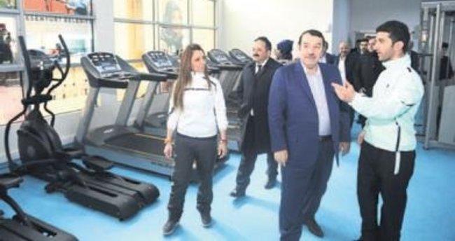 Esenyurt Belediyesi 22'nci spor tesisini açtı